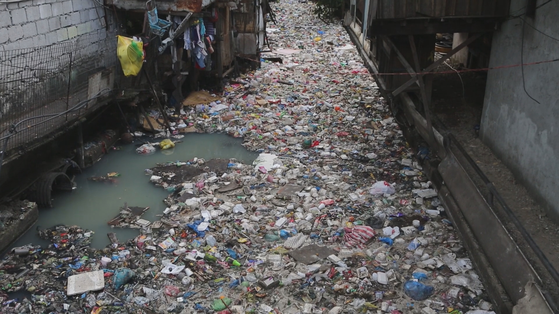 rubbish in a river in manila