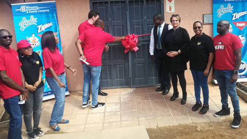 Ribboning cutting for new lab made possible from a donation from SC Johnson
