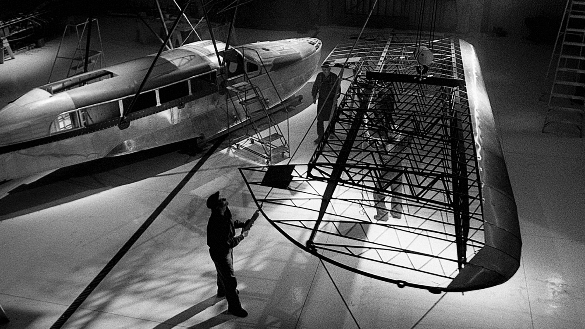 L'aereo originale Sikorsky S-38 utilizzato da H.F. Johnson Jr. nella sua spedizione del 1935 per raggiungere la foresta di palme carnaúba da cui si estrae la cera