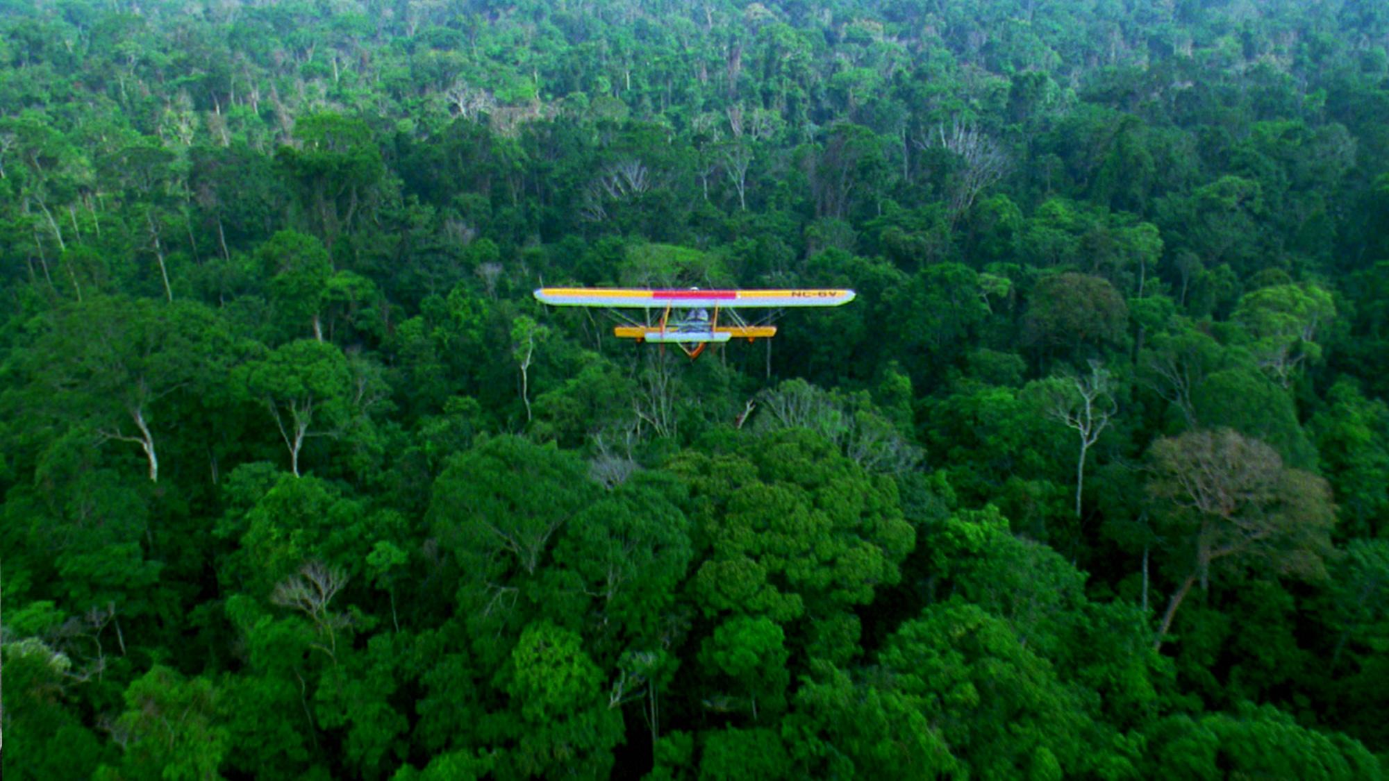 Replica hidroavionului Sikorsky S-38 pe care Sam Johnson a utilizat-o în cadrul expediției sale în Brazilia din 1998.