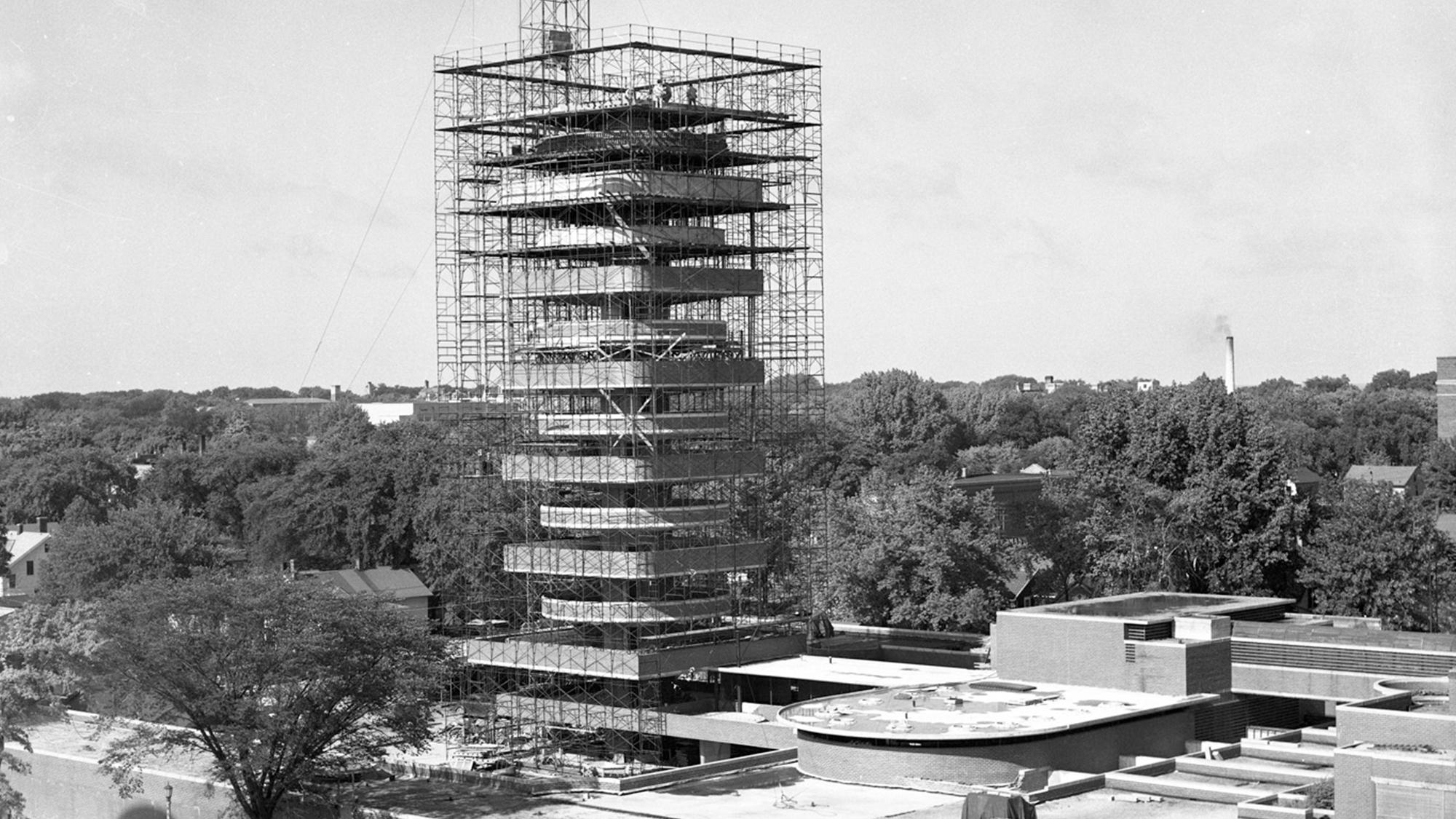 A construção começa no famoso edifício de Frank Lloyd Wright