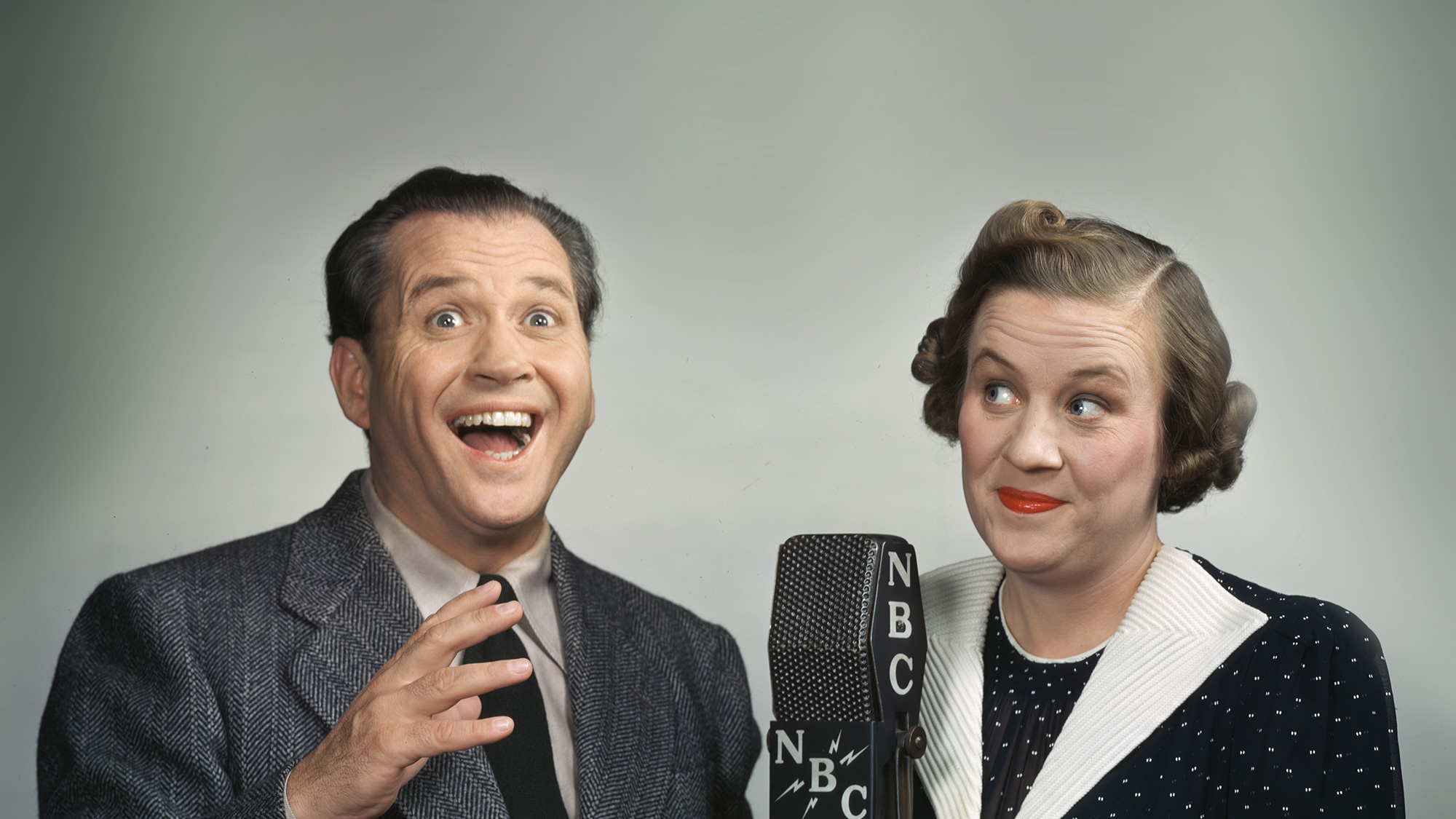 "Fibber McGee and Molly McGee, o duo clássico de comédia de rádio do ""Fibber McGee and Molly""."