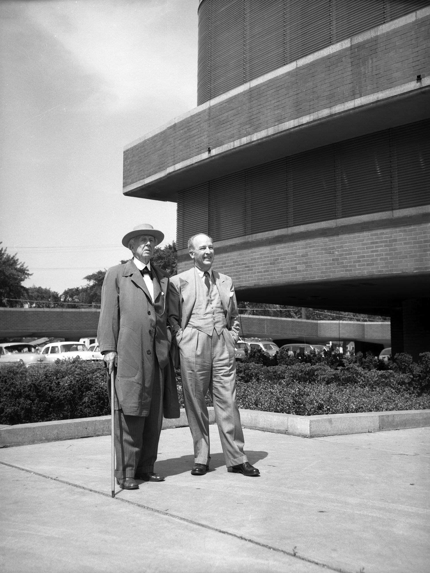 H.F. Johnson, Jr. mit Frank Lloyd Wright