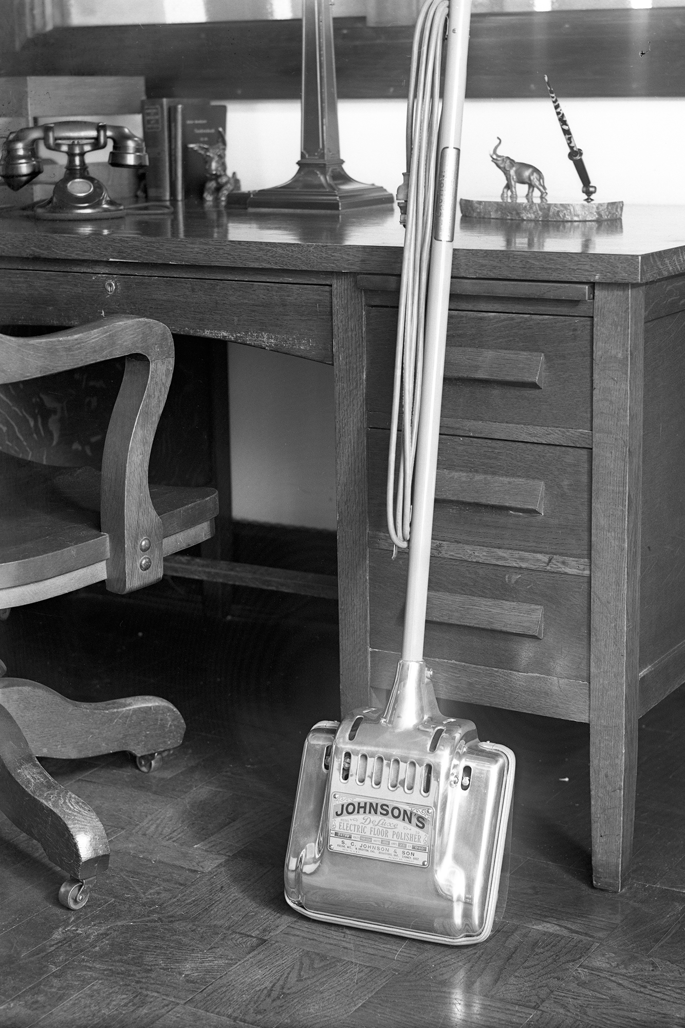 SC Johnson's 1926 Deluxe Electric Floor Polisher
