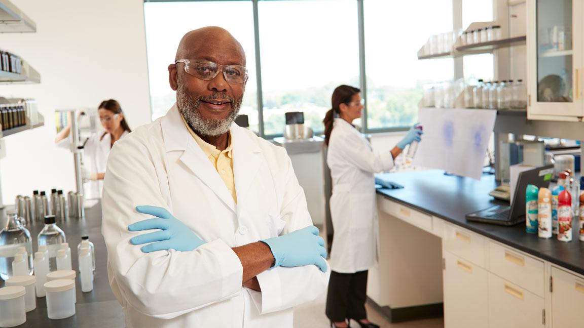 SC Johnson RDE Scientist in lab